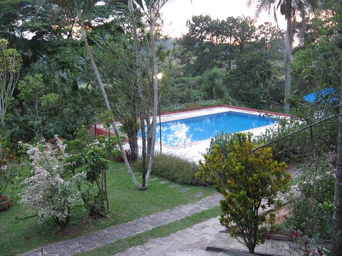 casa sao roque piscina e sua volta