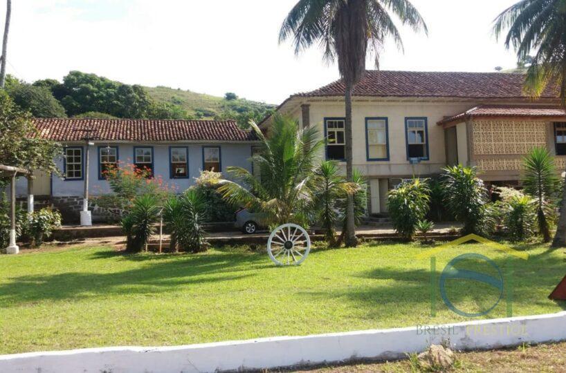Linda Fazenda A venda com Casa Centenária Alambique Cachoeira 249 hectares